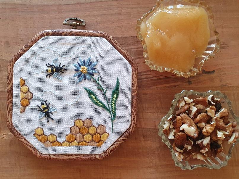 Бродерия пчели